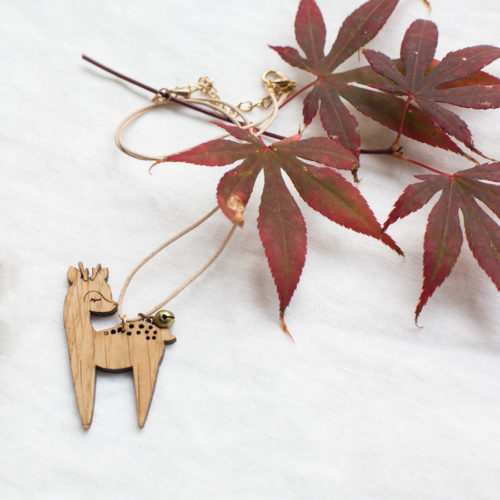 collier en bois enfant design france eco-friendly