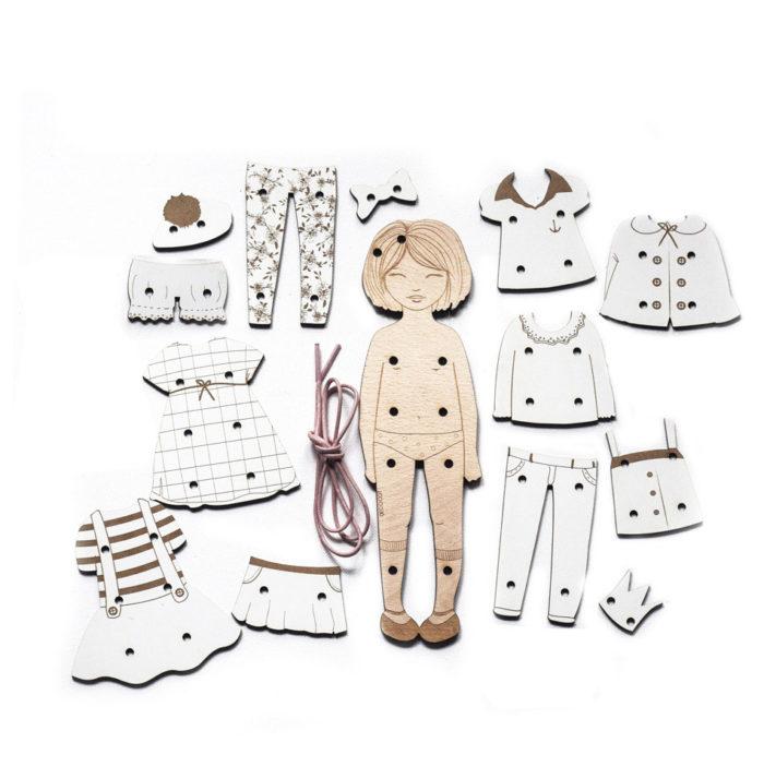 jouet en bois de lavage poupée vêtements