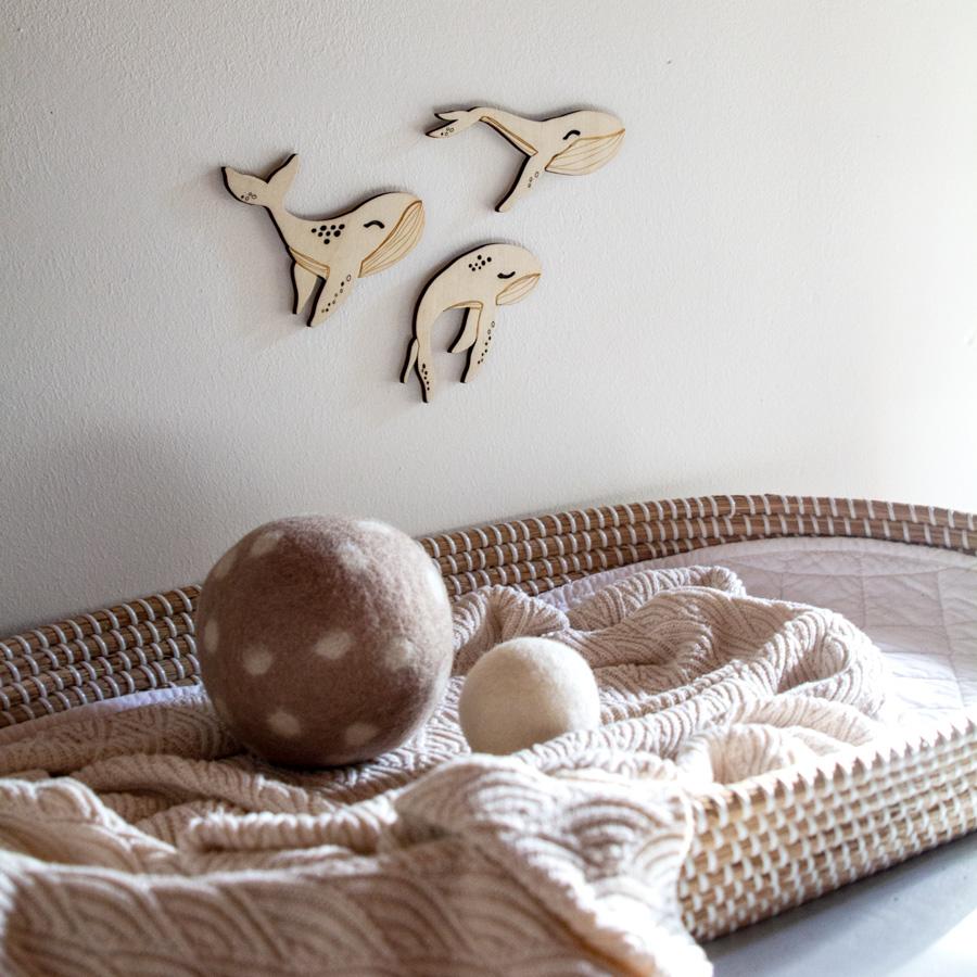 déco murale baleines en bois chambre enfant